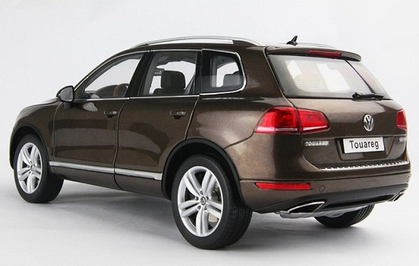 โมเดลรถ โมเดลรถเหล็ก โมเดลรถยนต์ Volkswagen Touareg 2010 brown 2