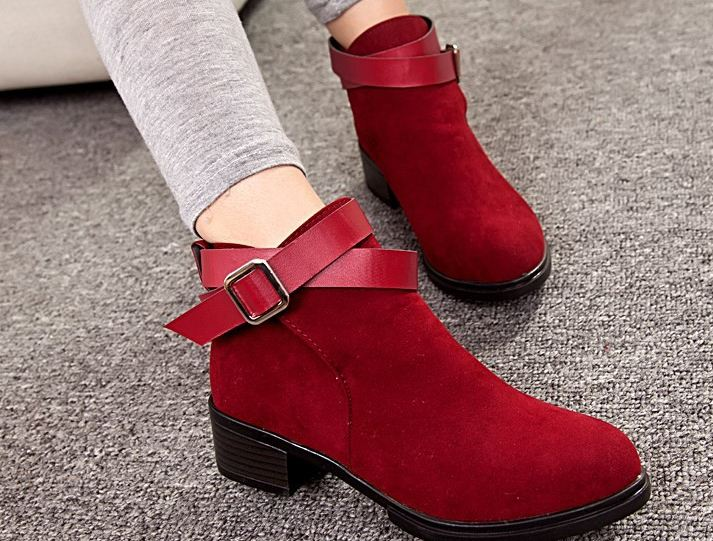 รองเท้าหุ้มส้น ผู้หญิง หน้าปิด มีส้นเล็กน้อย ดีไซน์ ตกแต่ง เข็มขัดที่ข้อเท้า ด้านหน้าเรียบหรู คลาสสิค บูท นิดๆ รองเท้าผู้หญิง เท่ ๆ สีแดง 502089_1