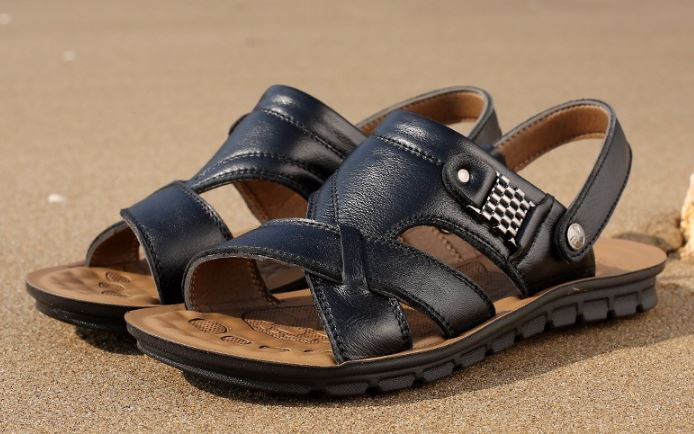 รองเท้าผู้ชาย รองเท้าแบบรัดส้น รองเท้า ใส่เที่ยว รองเท้าเดินทาง แบบเปิดหน้าเท้า ใส่สบาย รองเท้าแตะหนัง สีดำ ใส่ลุยน้ำได้ แบบสวย 488409