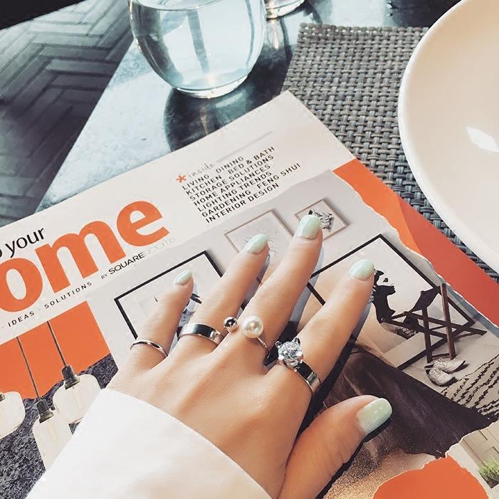 แหวนแฟชั่นset4ชิ้นแต่งมุกและคริสตัลสีเงิน
