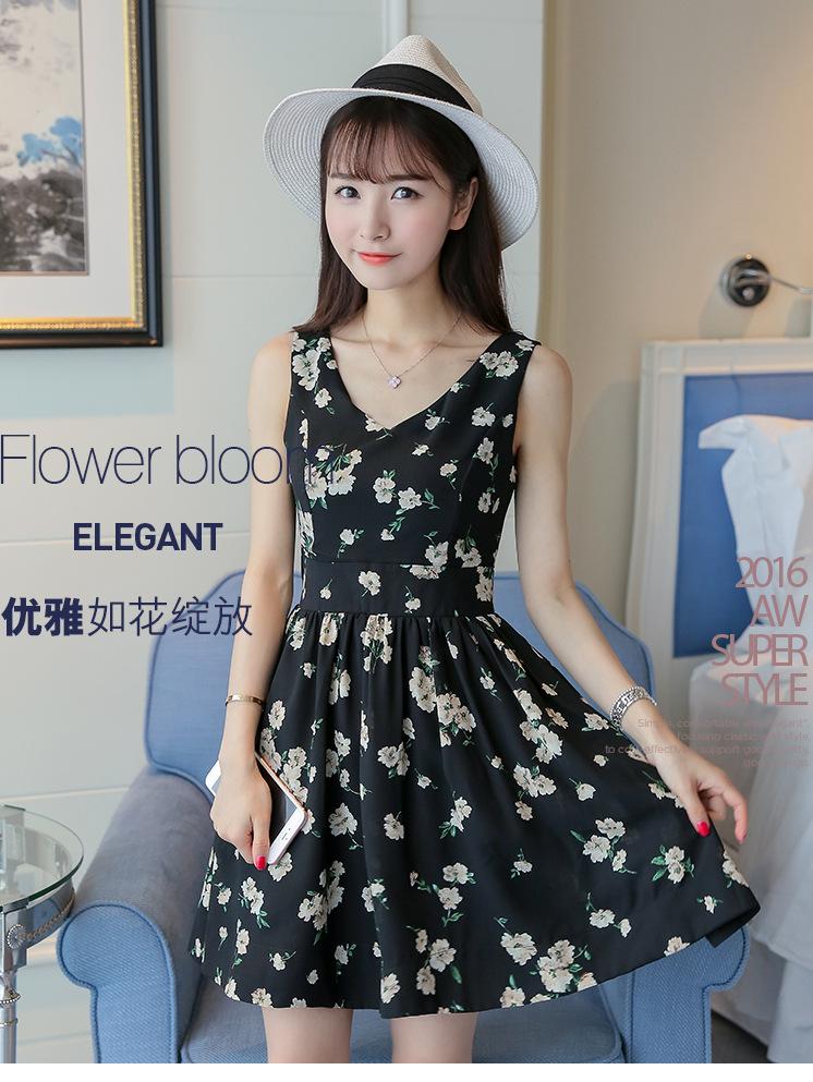 Dress4109 เดรสคอวีทรงสวยลายดอกไม้ มีซิปหลังใส่ง่าย มีซับในอย่างดี ผ้าชีฟองเนื้อดีเกรดพรีเมียม งานดีสีสวย ดีเทลดีงามปลื้มสุด จัดด่วนๆ จ้า