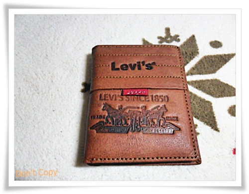 กระเป๋าสตางค์ Levis ใบสั้น น้ำตาลอ่อน L008
