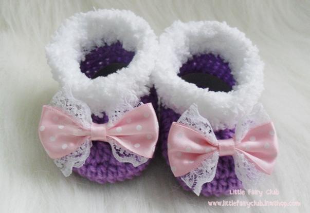 รองเท้าบู๊ทสั้น (สีม่วงเม็ดมะปราง + โบว์ลายจุดสีชมพู)