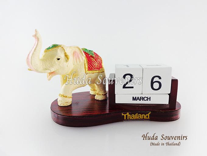 ของที่ระลึก ช้างทรงเครื่องเรซิ่นปฏิทิน รูปช้างยกขาหน้า สินค้าพร้อมส่ง