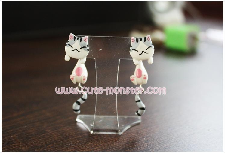 ต่างหูดินปั้น แมวจี้ Chii cat Earrings
