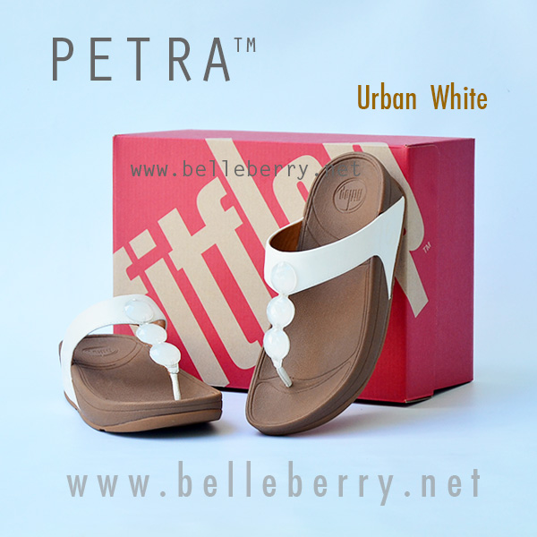 364d79a5f พร้อมส่ง   New !! PETRA   Urban White   Size US 6   EU 37 - FitFlop ...