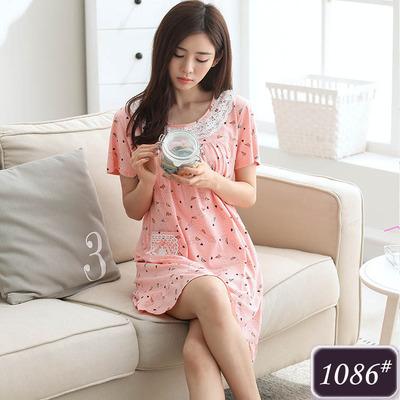ชุดนอนกระโปรงผ้าฝ้ายสีชมพูอ่อน คอกลมกว้างตกแต่งด้วยผ้าลูกไม้สวยหวาน (M,L,XL,2XL,3XL,4XL) #1086