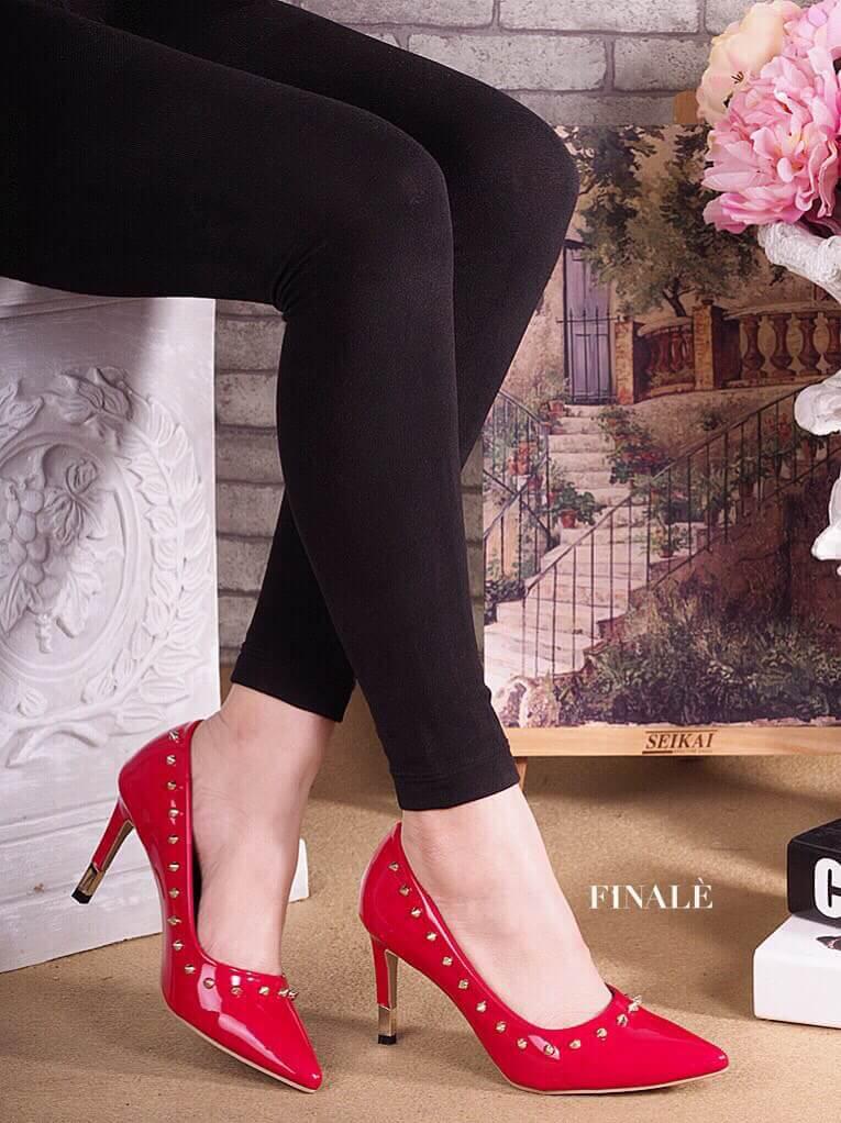 รองเท้าคัทชูส้นสูงสไตล์ valentino