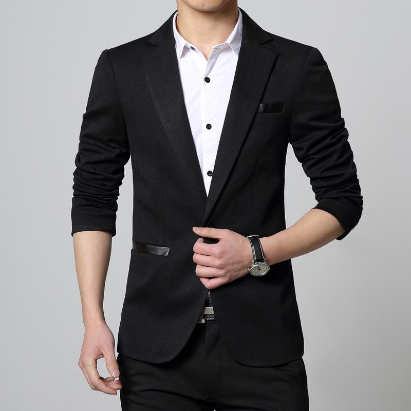 เสื้อสูทผู้ชาย สีดำ แต่งกระเป๋าหนัง แขนยาว กระเป๋าอกแต่งหลอก กระเป๋าข้างใช้งานได้จริง เนื้อผ้า cotton ใส่สบาย ใส่เป็นสูททำงาน สูทออกงาน หรือสูทลำลองได้ค่ะ