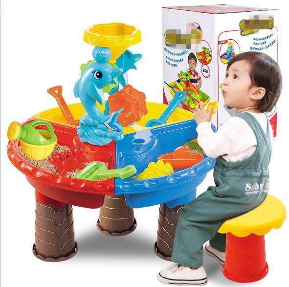 ชุดโต๊ะเล่นทรายขนาดใหญ่ เล่นทรายเล่นน้ำได้ มีเก้าอี้ และอุปกรณ์การเล่นค่ะ