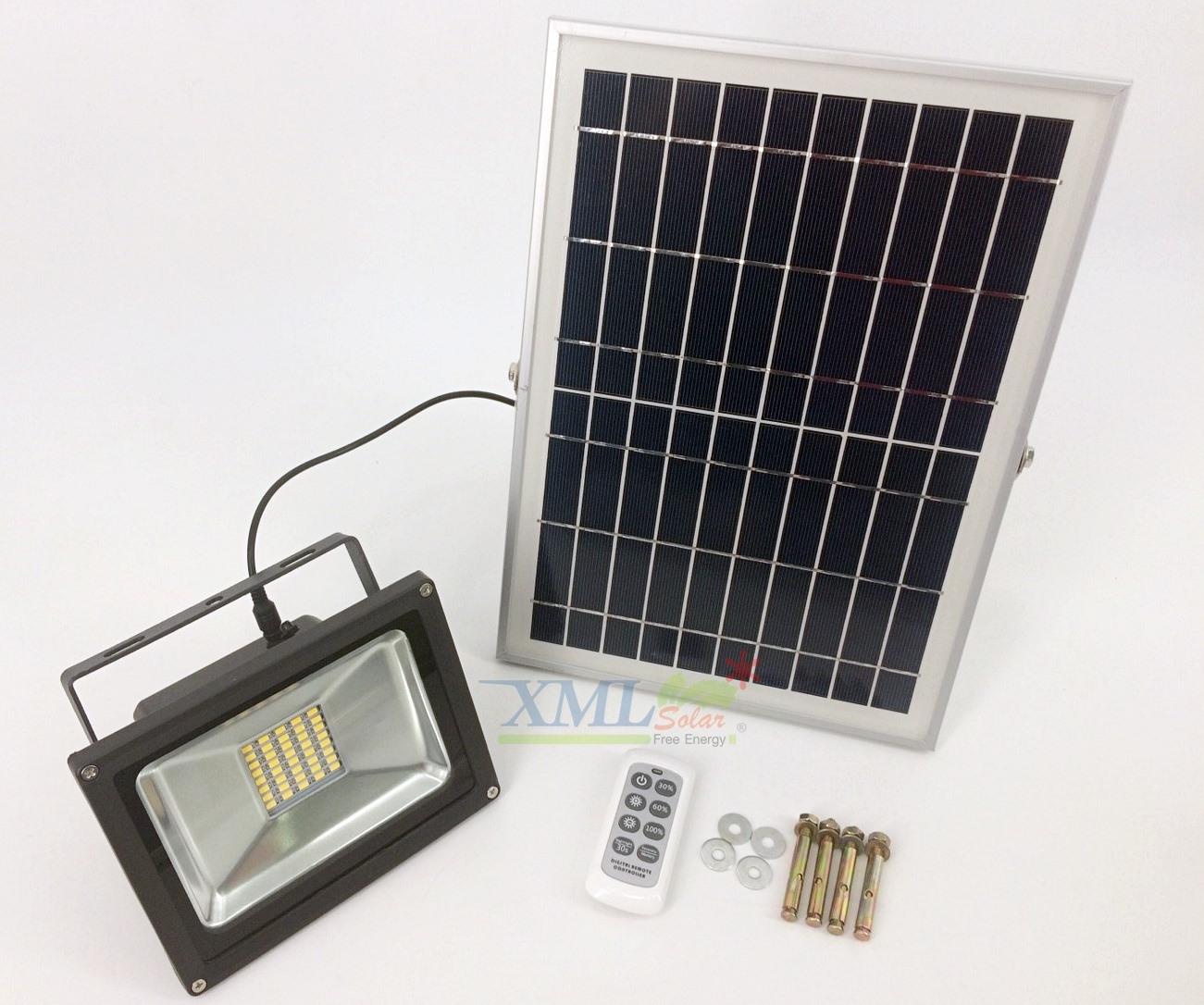 ไฟสปอตไลท์โซล่าเซลล์ 20 Watt รีโมทขาว (เเสง : เหลืองวอมไวท์)