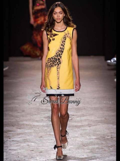 ชุดเดรสเกาหลี พร้อมส่ง เดรสยีราฟใช้ผ้าสีพื้นสีเหลืองสวยเนื้อหนามีซับในทั้งชุด