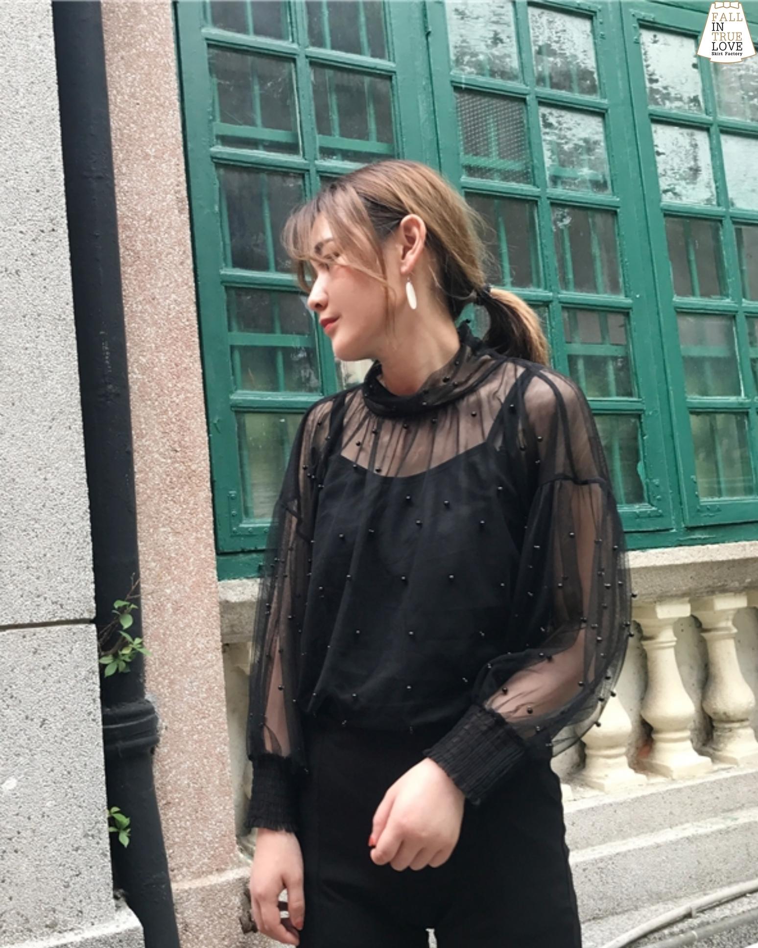 เสื้อผ้าเกาหลีพร้อมส่ง เสื้อผ้าตาข่ายมุ้งเนื้อดีเกรดพรีเมี่ยมตกแต่งมุกตอกรอบตัว