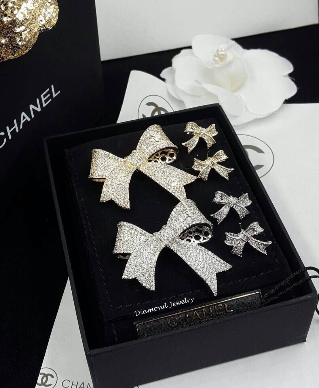 พร้อมส่ง ปรบมือ 5 ล้านทีให้กับ Chanel Brooch