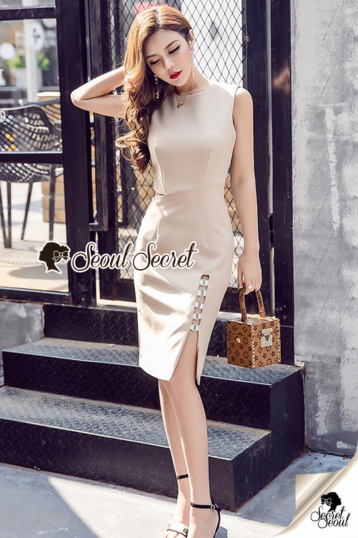 Waisty Concave Nood Color Dress