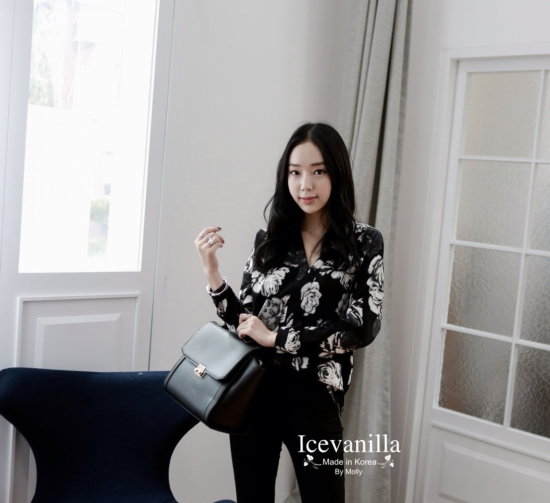 Chic black rose blouse