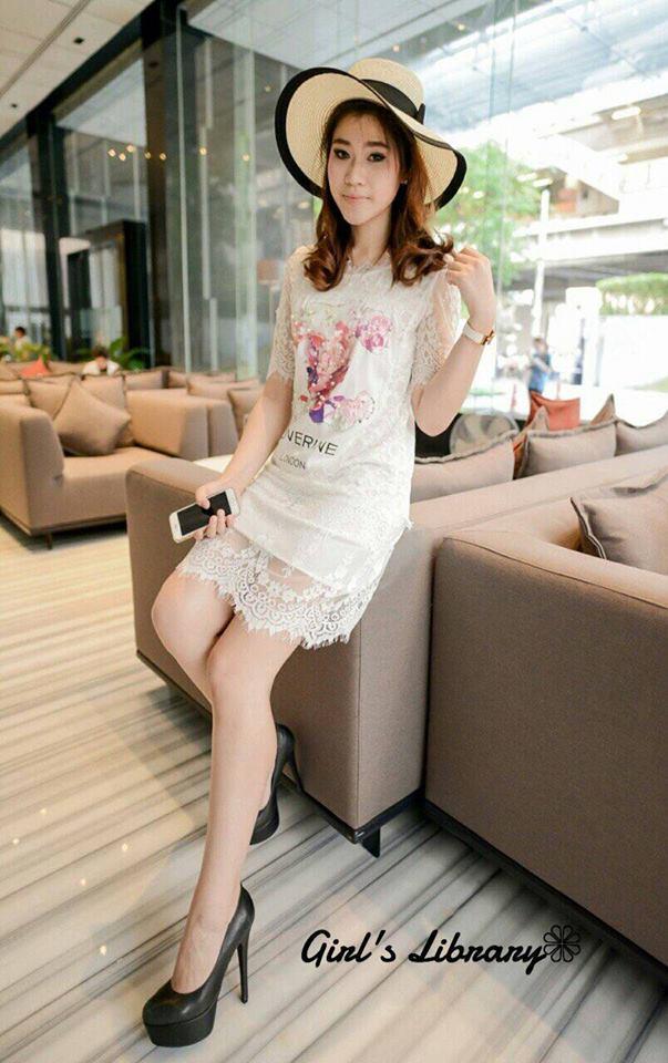 เสื้อผ้าเกาหลี พร้อมส่ง Dress ลูกไม้ฝรั่งเศส ลายโลโก้ Chanelรูปดอกไม้แต่ด้วยมุข