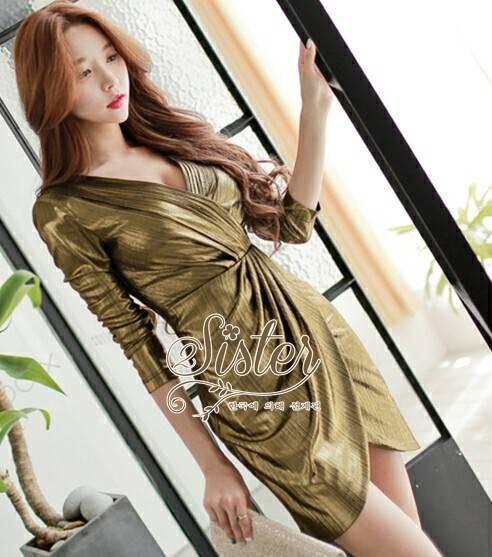เสื้อผ้าเกาหลี พร้อมส่ง เดรสหรู ลุคสาวมั่น เนื่อผ้าทอพิเศษอย่างดีสีทองมันวับ