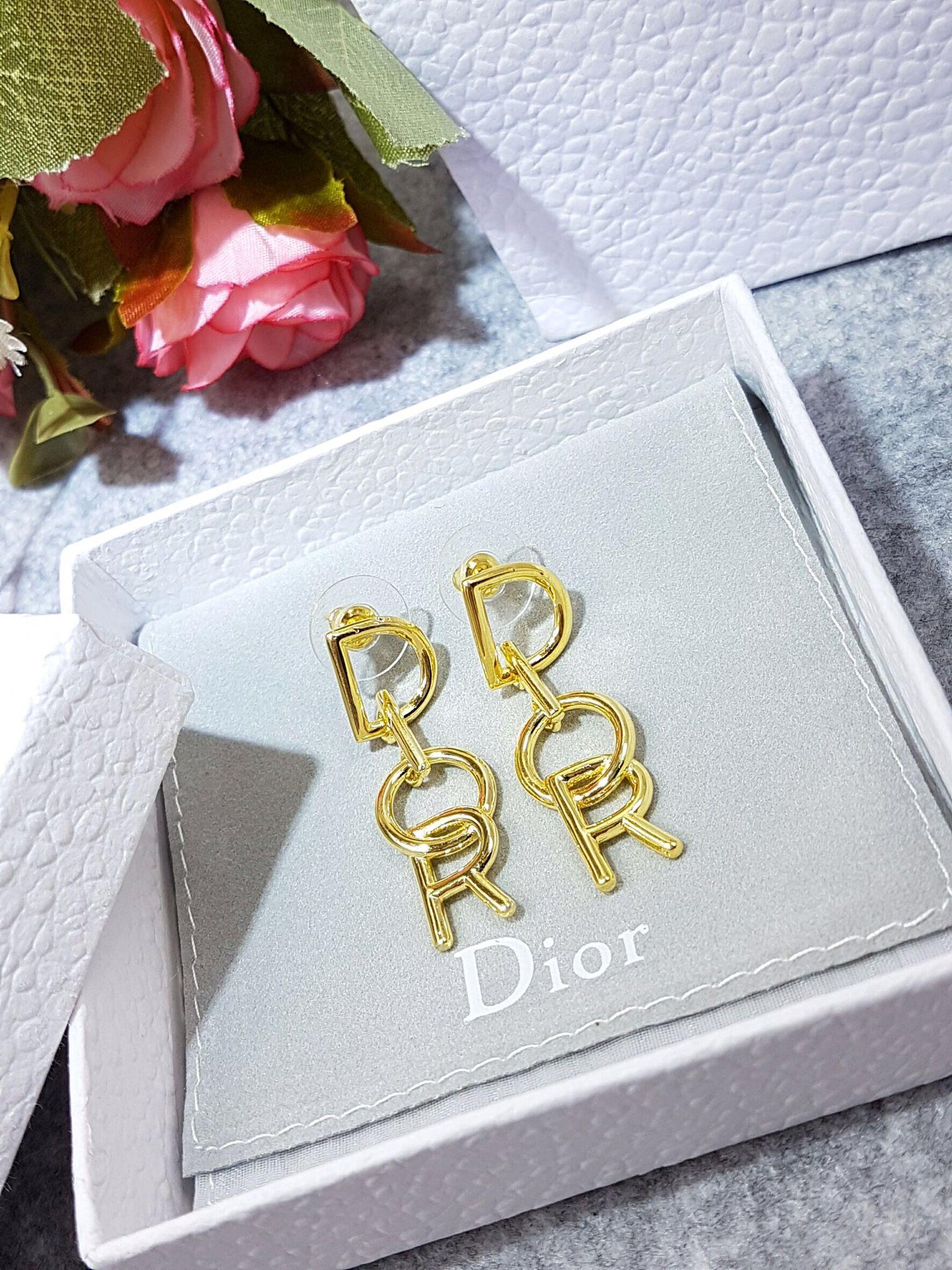 พร้อมส่ง Classic Dior earring