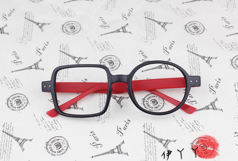 แว่นตาแฟชั่นเกาหลี กรอบสี่เหลี่ยมวงกลมสีดำแดง (ไม่มีเลนส์)