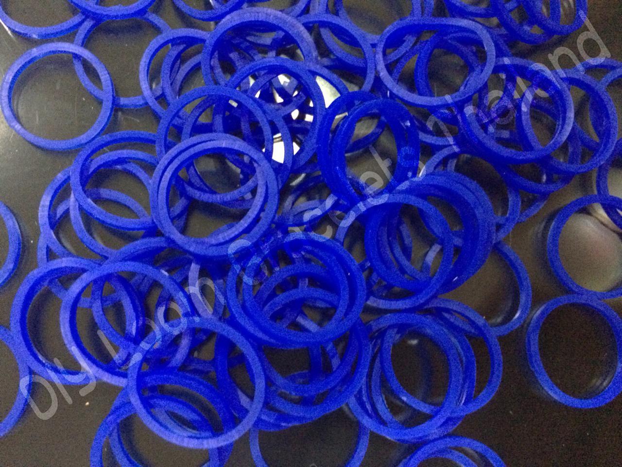 100% ซิลิโคน Loom Band สีน้ำเงินสด 600 เส้น ( # 13 )