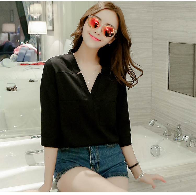 เสื้อเชิ้ตชีฟองคอวีแฉก สีดำ