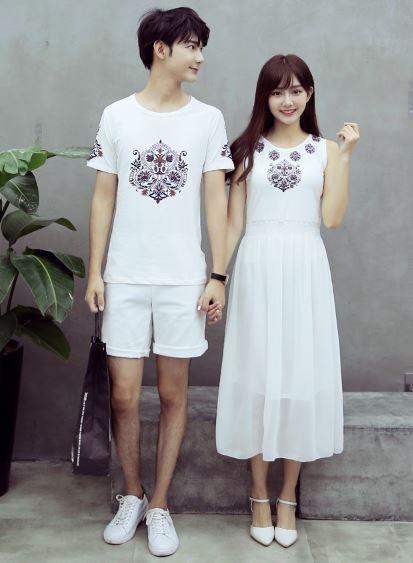 ชุดเดรสกระโปรงยาวหญิง+เสื้อยืดชาย สีขาว