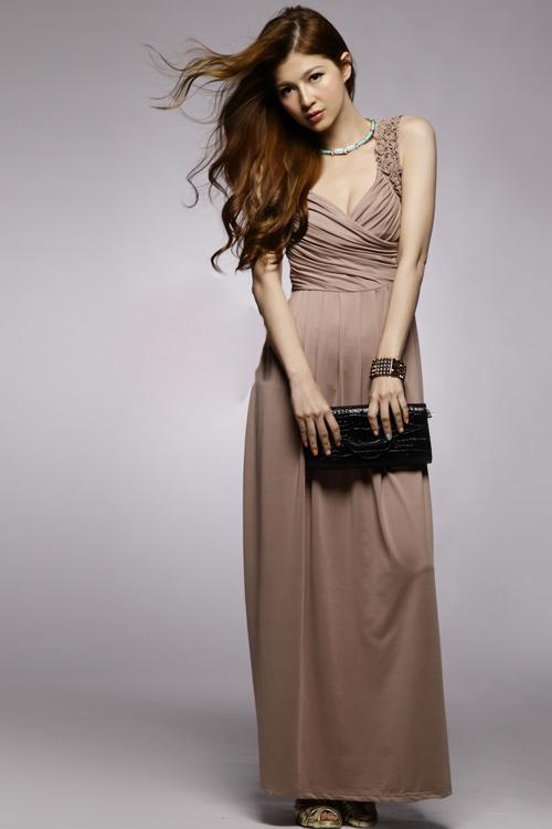 maxi dress เดรสยาว ออกงาน สีน้ำตาล คอวี ผ้าคอตตอน เซ็กซี่ ใส่ไปงานแต่ง สวยๆ