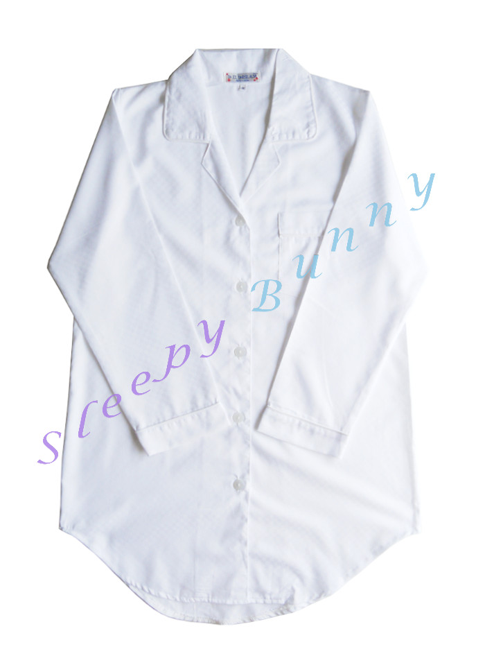 ds52 ชุดนอนเดรสเชิ้ตสีขาว ทอลายสี่เหลี่ยมในเนื้อผ้า Size S, M