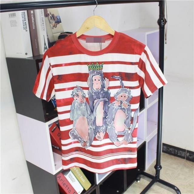 เสื้อยืดพิมพ์ลายจากแบรนด์ Dolce & Gabbana - Red And White Stripe Three Wise Monkeys Print T-Shirt
