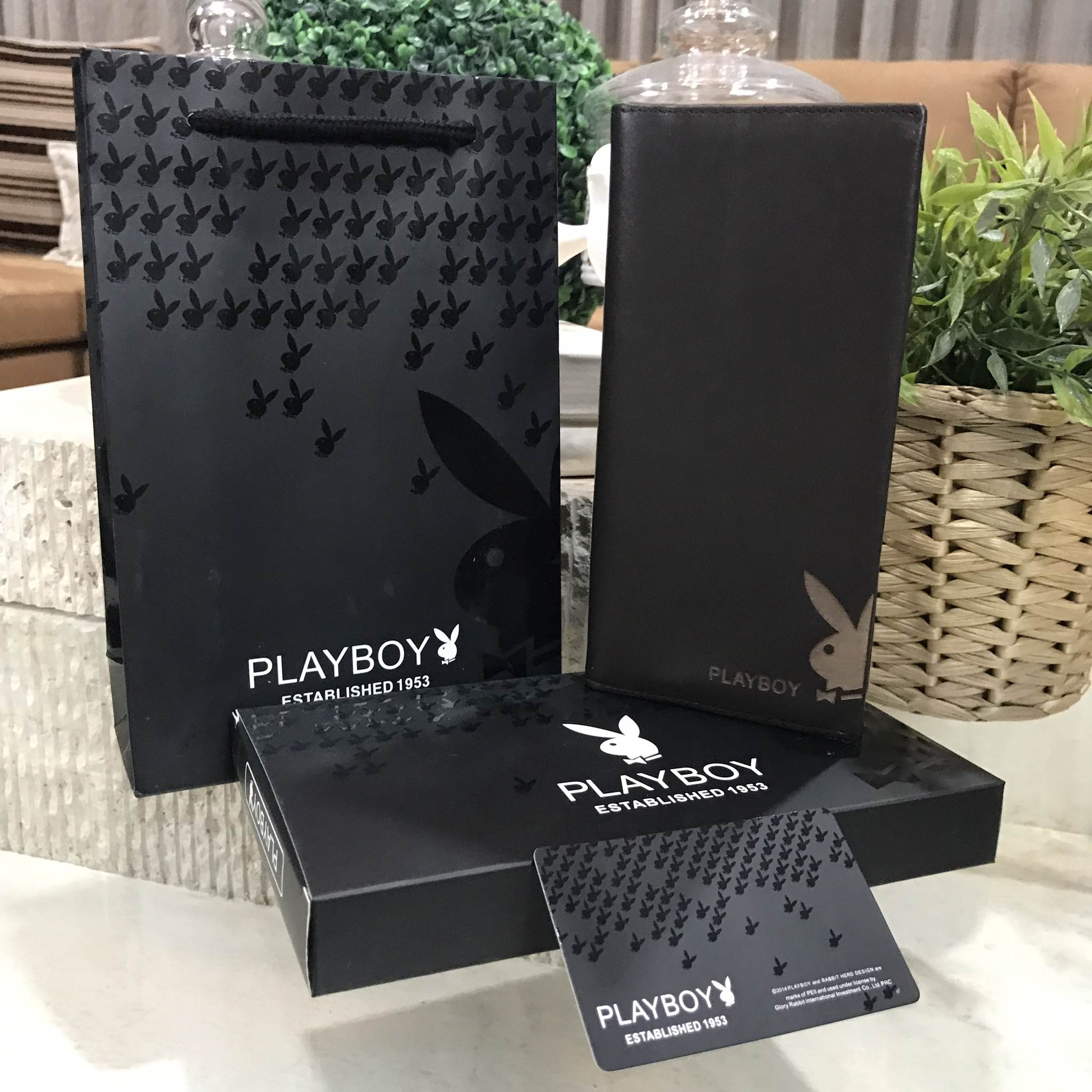 PLAYBOY LONG WALLET Limited Edition New With Box สีน้ำตาล