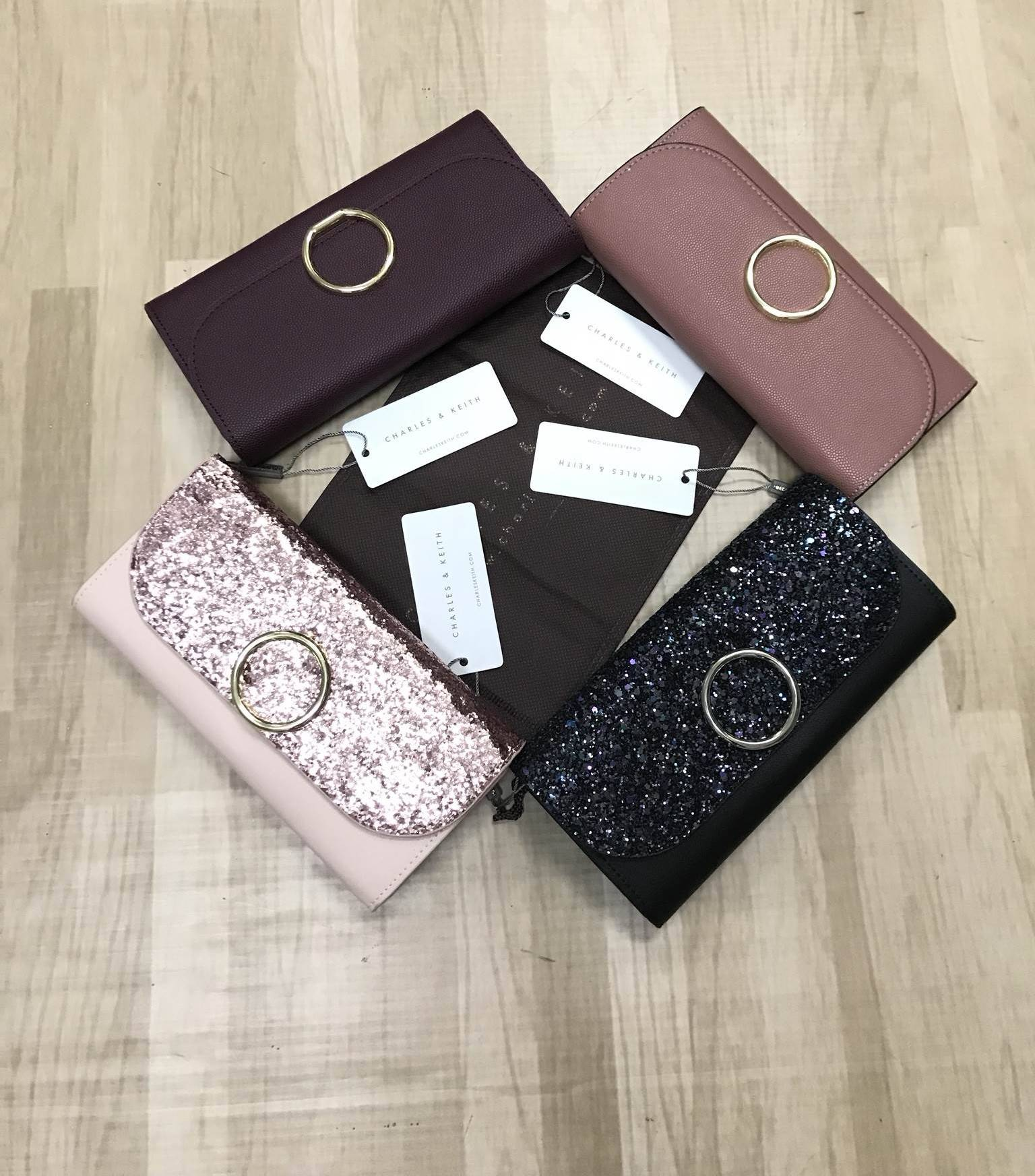 CHARLES & KEITH Wallet free ถุงผ้าแบรนด์