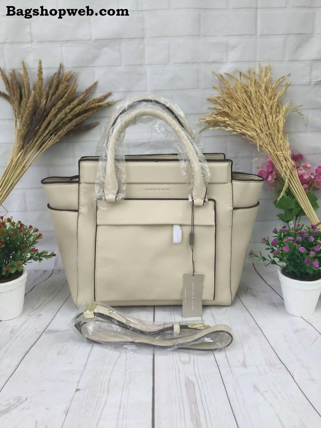 กระเป๋า Charles & Keith Work Handbag ราคาพิเศษ 1,490 บาท Free Ems