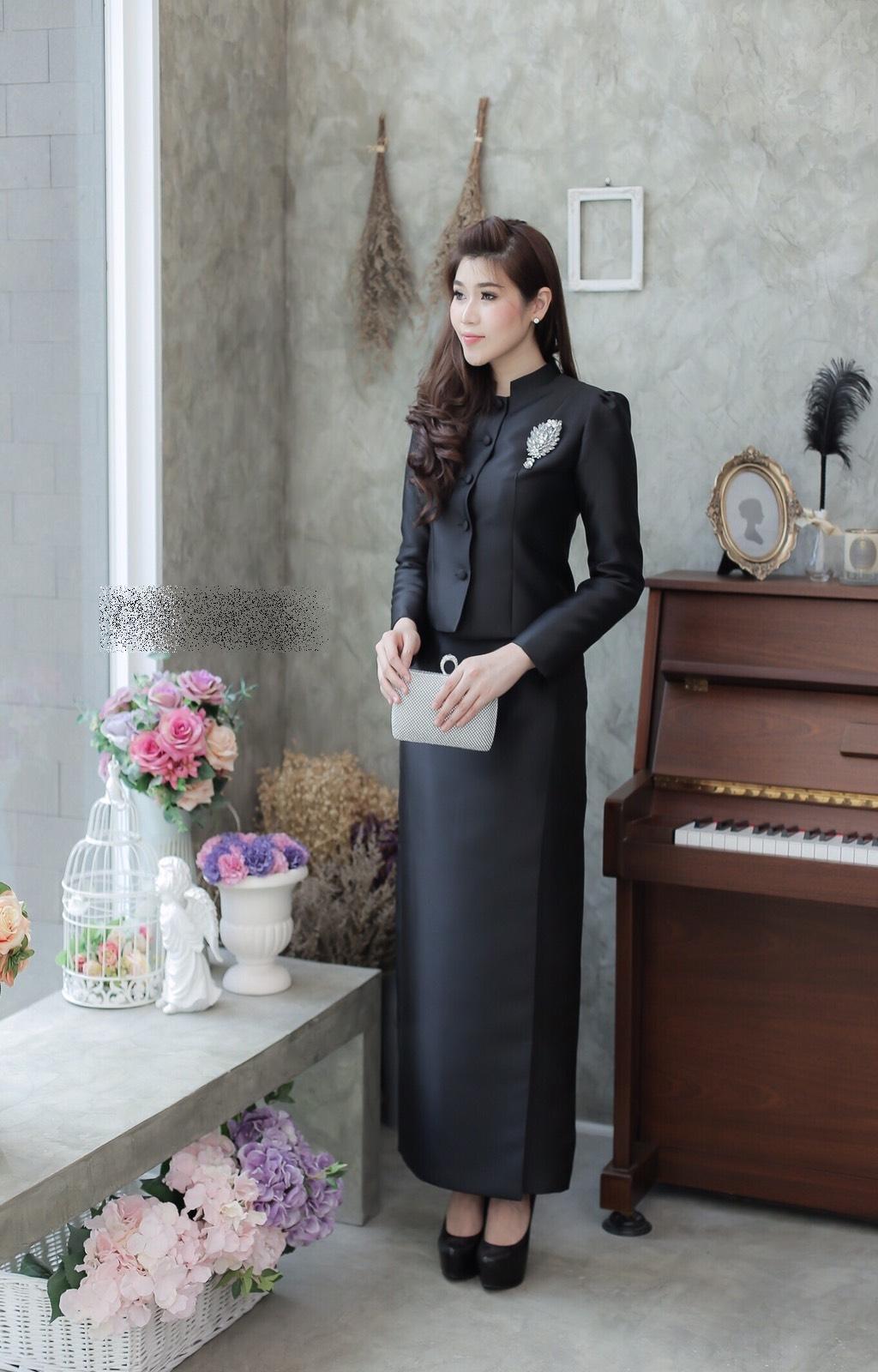 ชุดไทยจิตรลดาสีดำ ชุดถวายบังคมพระบรมศพ คุณภาพงานพรี่เมี่ยมเกรด A++ รับประกันคุณภาพ ราคาถูก พร้อมส่ง