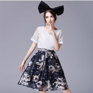 ชุดเซตเข้าชุดโทนขาว น้ำเงินกรมท่า แนวเกาหลี สวยหวาน น่ารัก เสื้อสีขาวแขนสั้นลูกไม้ + กระโปรงผ้าใยแก้วพิมพ์ลายดอกไม้