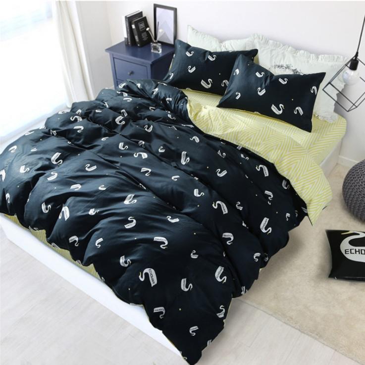 ผ้าปูที่นอน ลายเป็ด พิ้นสีดำ-เหลืองลายเส้น