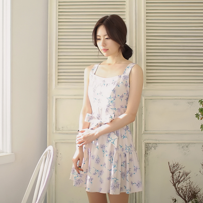[พรีออเดอร์] ชุดเดรสผู้หญิงแฟชั่นเกาหลีใหม่ แขนกุด แบบเก๋ เท่ห์ - [Preorder] New Korean Fashion Slim Sleeveless Dress