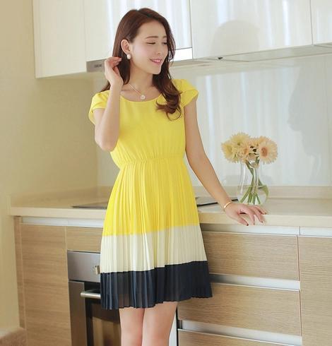 **พรีออเดอร์** ชุดเดรสผู้หญิงแฟชั่นเกาหลีใหม่ แบรนด์ Bluearly แขนสั้น คอกลม แบบหวานเก๋ / **Preorder** New Korean Fashion Bluearly Brand Slim Round Neck Short-sleeved Chiffon Dress