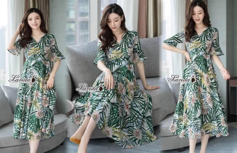 Maxi Dress พิมพ์ลายใบไม้และดอกไม้โทนสีเขียวสดใส