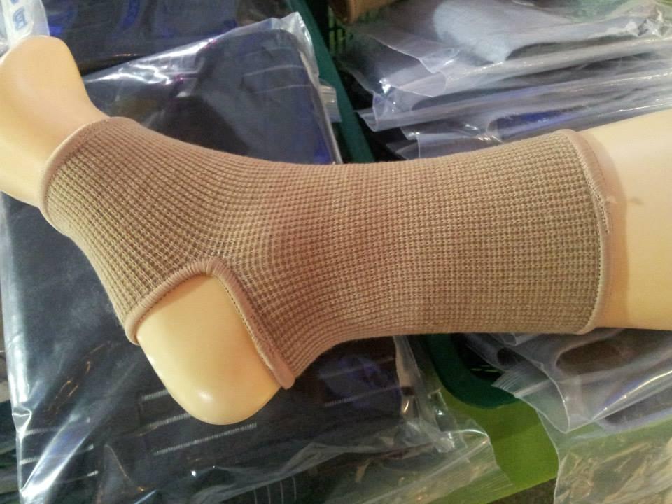 Ankle Support (อุปกรณ์พยุงข้อเท้าแบบสวมธรรมดา) Size L