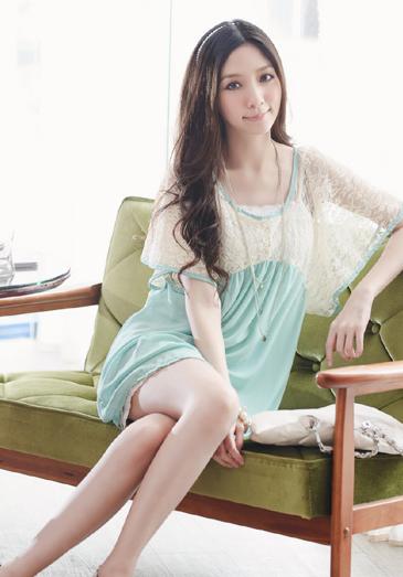 หมดค่ะ *SALE ลดราคาต่ำกว่าทุน* K997 เสื้อสีเขียว คอยู ช่วงบนแต่งผ้าลูกสีขาว