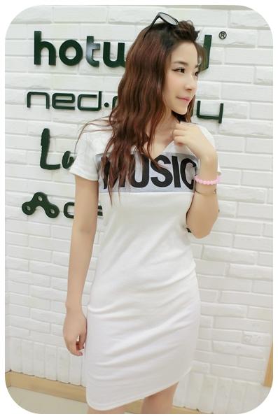 K1052 หมดค่ะ เดรสสกรีนลายMusic สีขาวน่ารักมากจร้าา