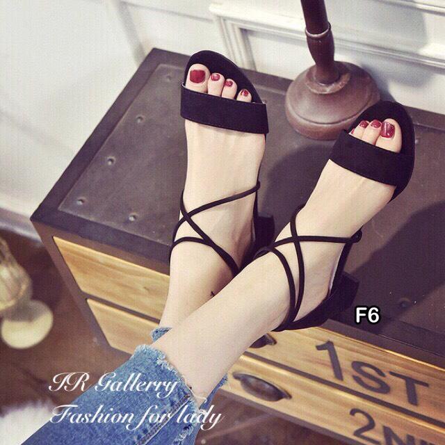 รองเท้าส้นตันสายไขว้ (สีดำ)