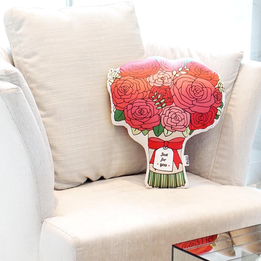 หมอนของขวัญช่อกุหลาบ Just For You Red Rose Bouquet