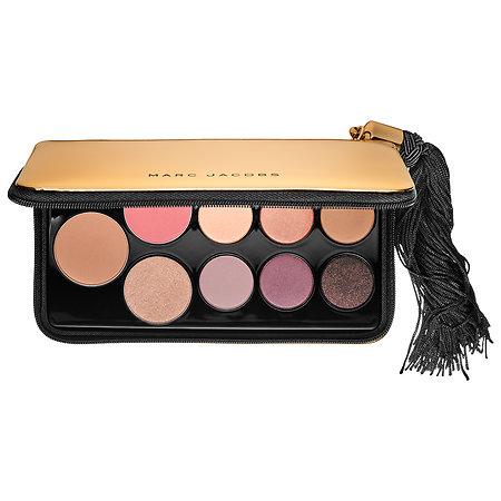 **ส่งฟรี EMS**Marc Jacobs Beauty Object Of Desire Face and Eye Palette พาเลทสุดเอ็กซ์คลูซีฟสำหรับใบหน้าและดวงตาที่มีทั้ง อายแชโดว์ 6 สี, บลัชในโทนสีพีช, บรอนเซอร์ และไฮไลท์ผสมชิมเมอร์สีทองเนื้อละเอียด มาในเคสสี metallic gold สุดหรูที่มาพร้อมซิปรอบตัว ,