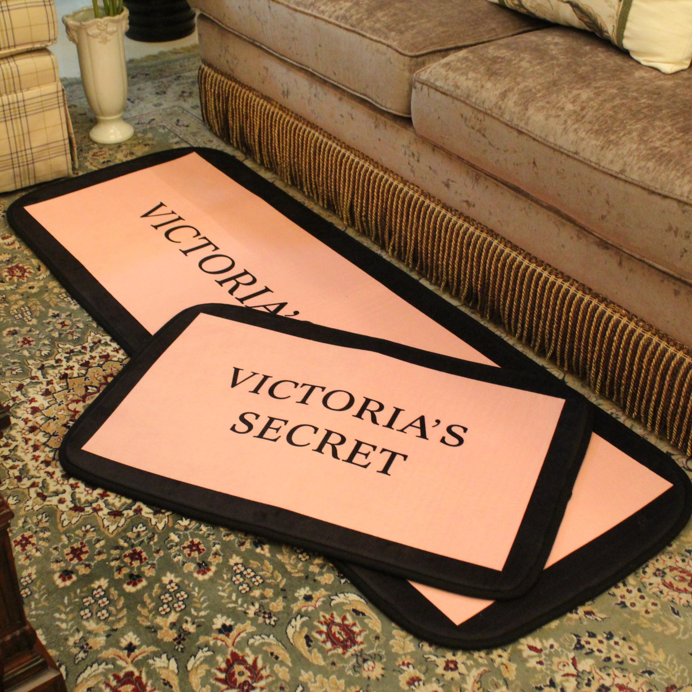 พรมปูพื้น Victoria's secret
