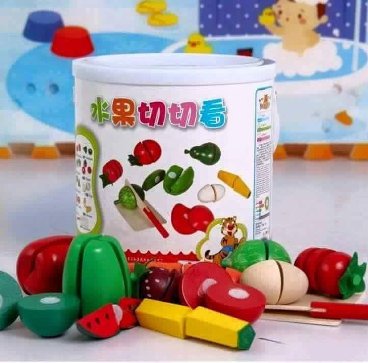 ของเล่นไม้ ชุดหั่นผักและผลไม้ มาพร้อมถัง เก็บง่าย