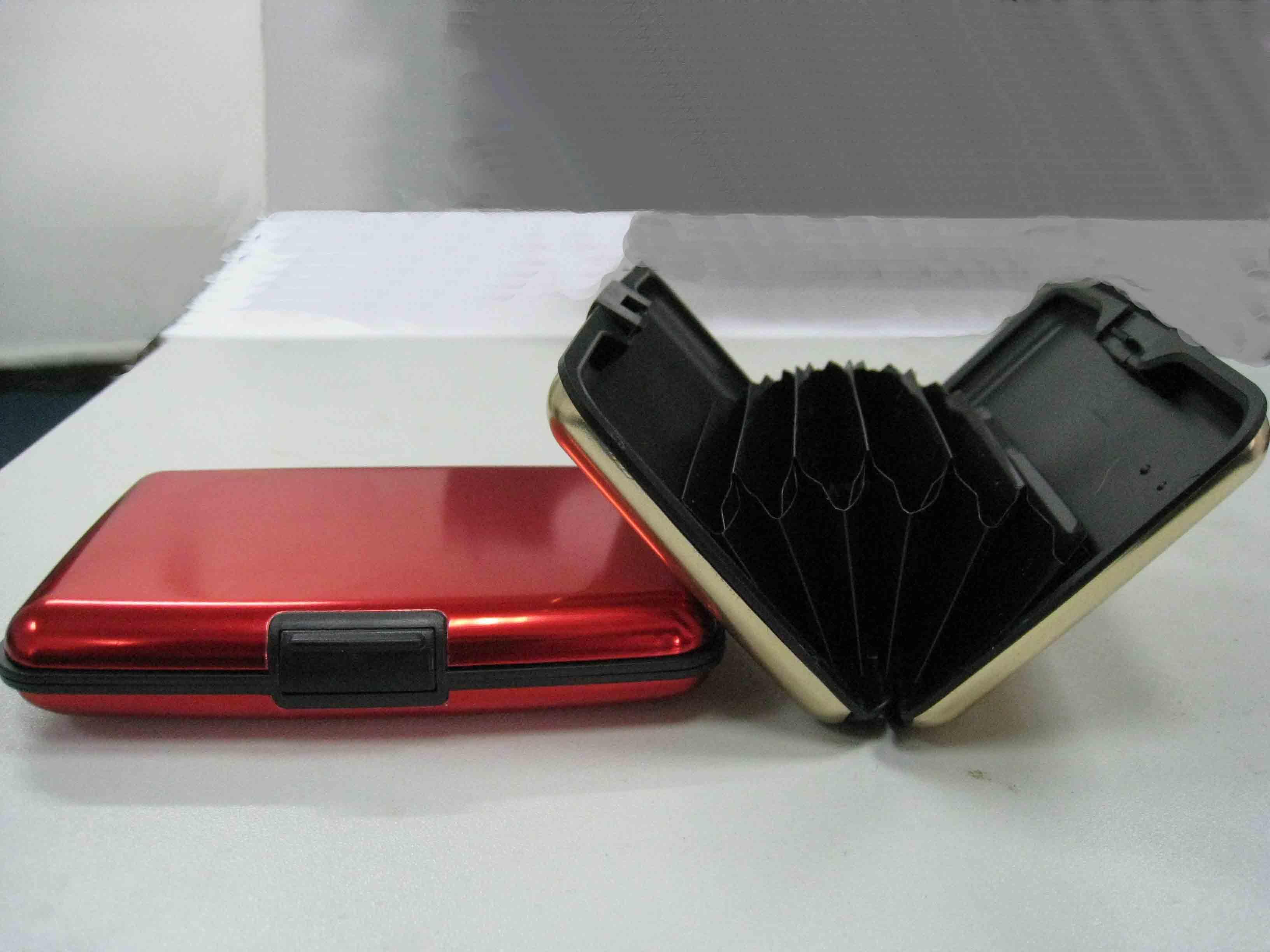 กระเป๋าสตางค์อลูมิเนียม aluma wallet