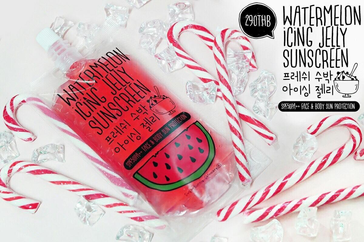 Watermelon Icing Jelly Sunscreen 120 ml. กันแดดเจลลี่แตงโม กันแดดในรูปแบบเนื้อเจลใส สารสกัดนำเข้าจากเกาหลี ซึมไว เกลี่ยง่าย ไม่เหนียวเหนอะหนะ -มี Cooling Agent ให้สัมผัสเย็นนทันทีที่ทา