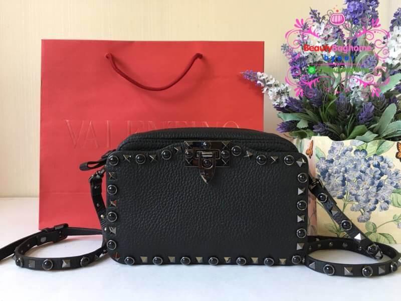 Valentino Calfskin Rockstud Small Cross Body สีดำ งานHiend Original